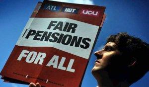 Britain's Two Biggest Teachers' Unions Refuse Pension Reform Scheme