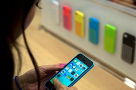 Apple Plans Ambitious iTunes Mobile Payment System